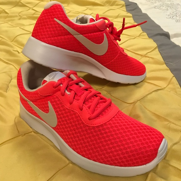 pretty nice c83ee 97451 Solar Red Nike Tanjun Shoes